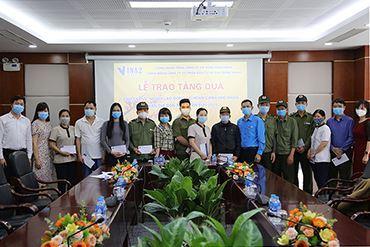 VINA2 trao quà hỗ trợ CBCNV và lao động có hoàn cảnh khó khăn nhân dịp tết Nguyên Đán Tân Sửu 2021