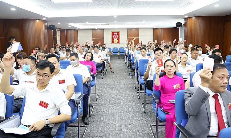 Bỏ phiếu biểu quyết tại Đại Hội